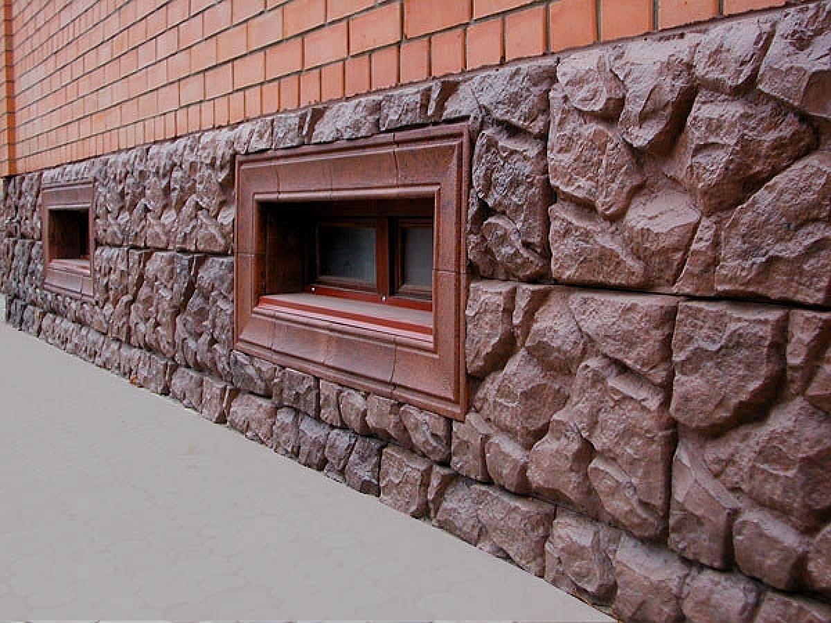 Облицовка цоколя дома искусственным камнем своими руками